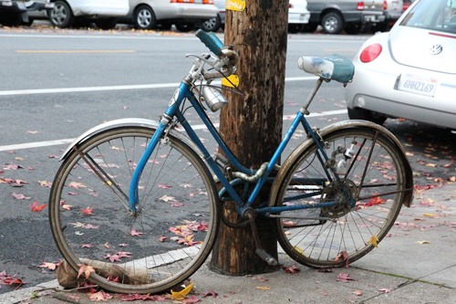 That's a classic Schwinn but needs some TLC.