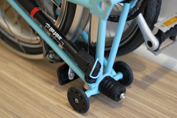 bike pump and easy wheels