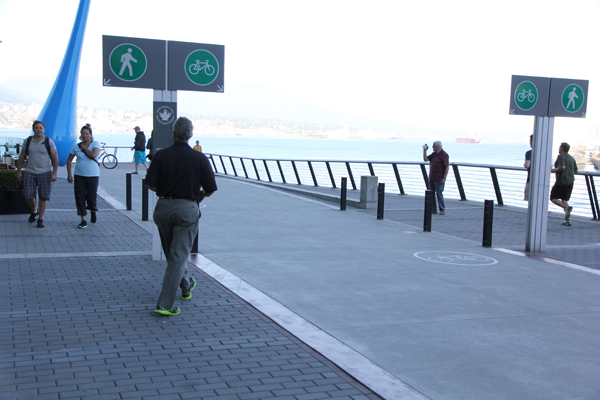 There is this 30 km seaside bicycle trail that lines the city.