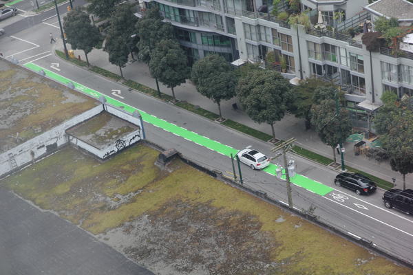 More green bike lanes