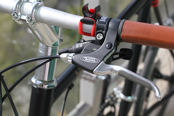 Tektro Tenera brakes and SRAM-X5 shifters.