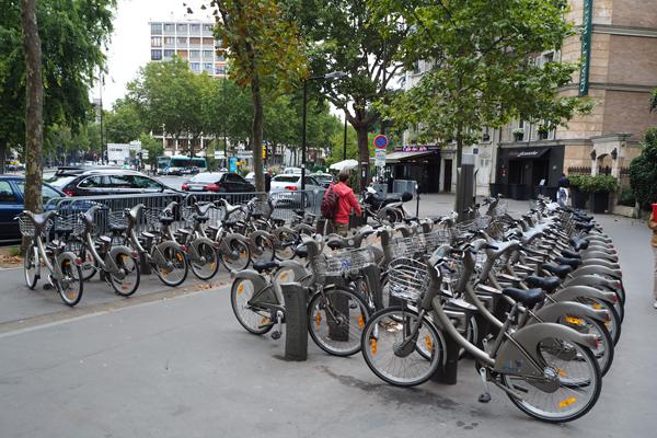 One of the many Velib bike share stations.
