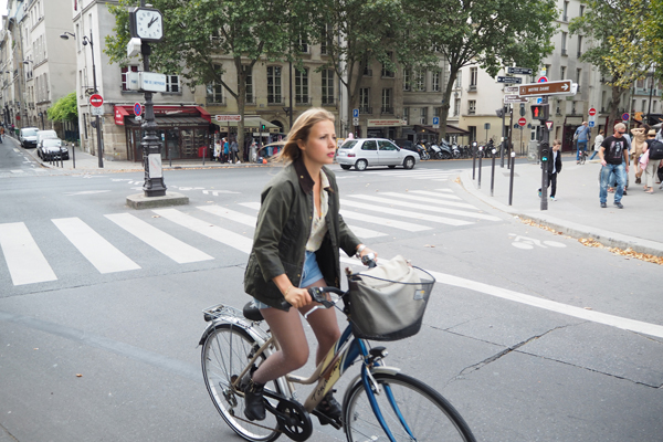 Another comfortable looking cyclist in Paris.