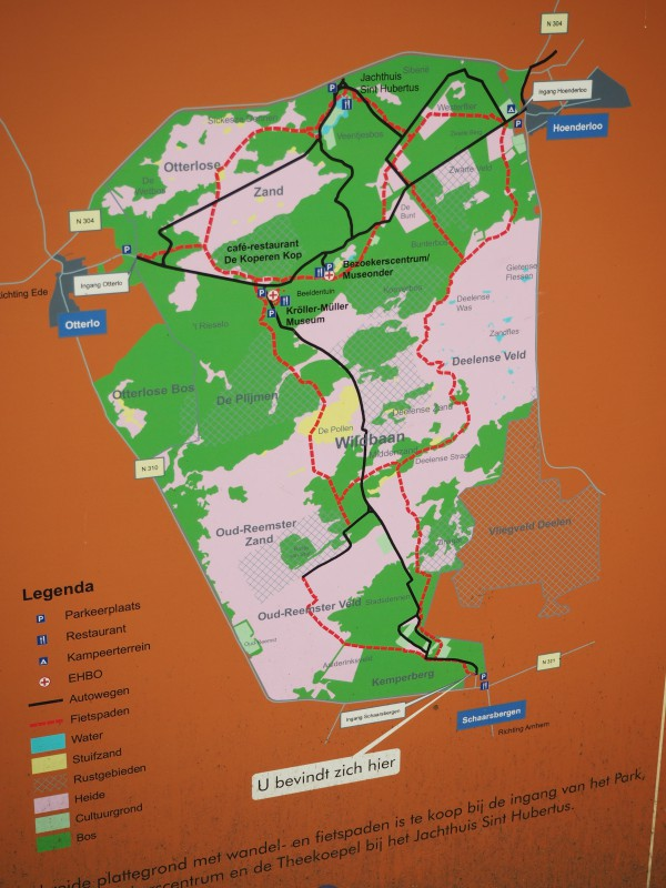 Map of the Park. The red dotted lines are fietspad.