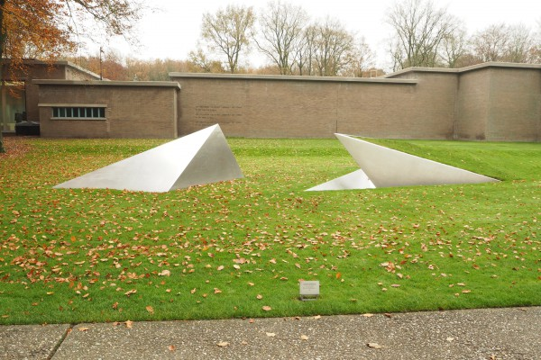 One of the contemporary scultures near the entrance of Kroller-Muller museum