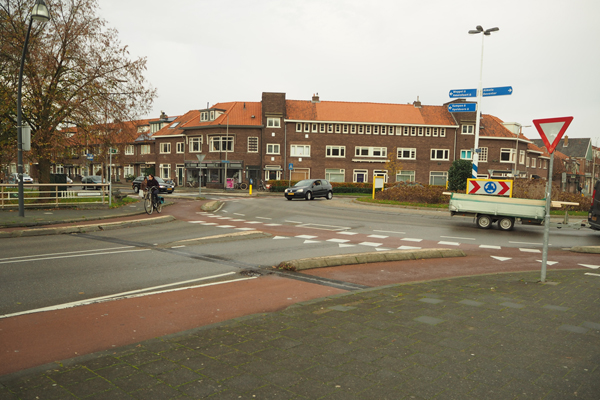A protected roundabout in Zwolle. Note the one lane each way for cars.